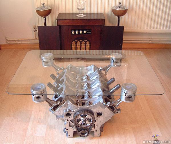 moottori pöytä
