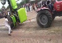 Köydenvetoa traktoreilla