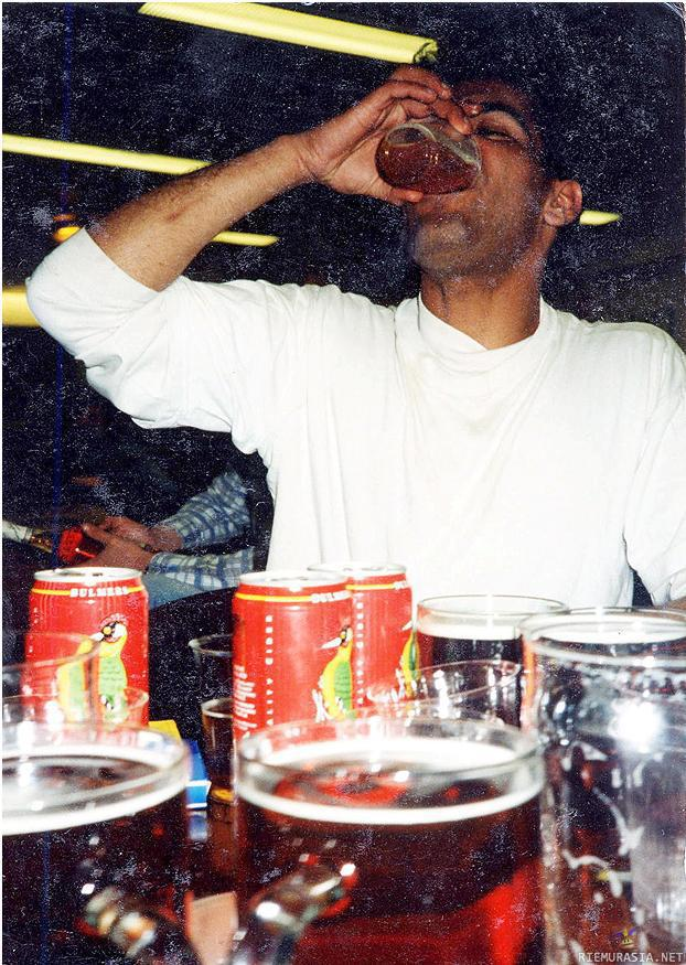 "Sanojensa veroinen mies - Muslim leader (and ISIS supporter) Anjem Choudary once said anyone who drinks ""should be given 40 lashes in public"". He also tried getting these pictures removed from the internet."